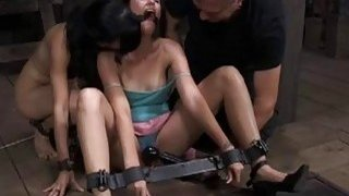 Clamped beauty acquires harrowing snatch pleauring