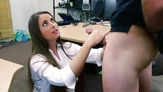 Big butt babe pawns her pussy and fucked