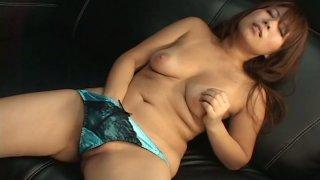 Fuckable Japanese babe Mimi Kousaka mastrubates with pink vibrator