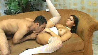 Pietra Raifer gives blowjob in doggy style position