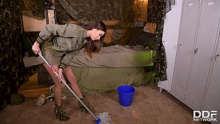 Army babe fucked by sergeant